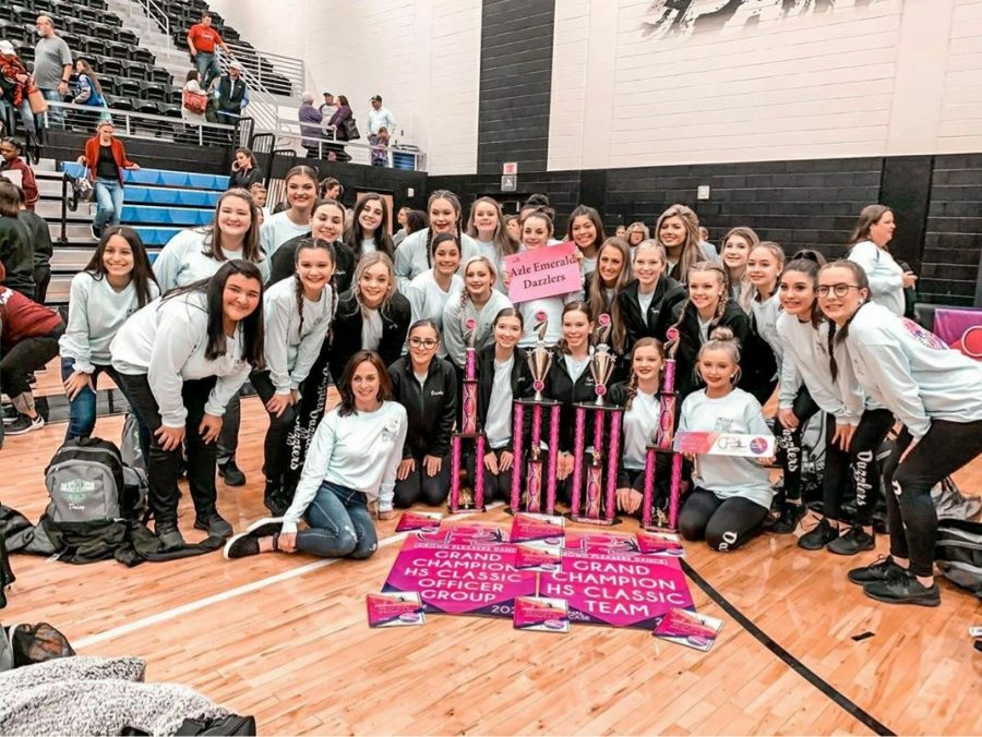 Dazzlers+Grand+Champion+at+Crowd+Pleasers+Competition